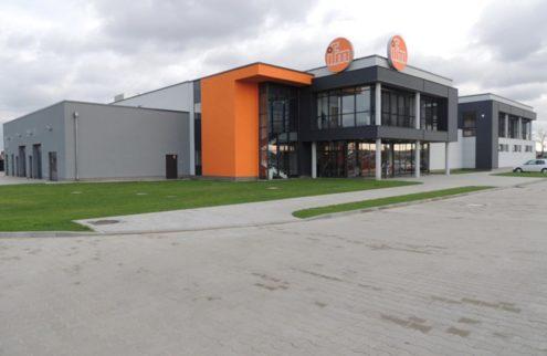 fabryka-ogrodow-trawnik-przy-hali-11